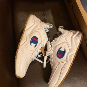 93 Eighteen from Champion. Sz.women8 or 6.5 youth